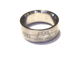 New Claddagh stainless steel ring size 7